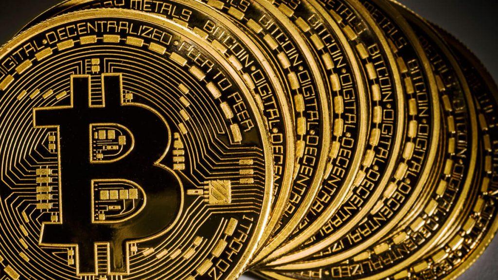 Bitcoin jest droższy od złota
