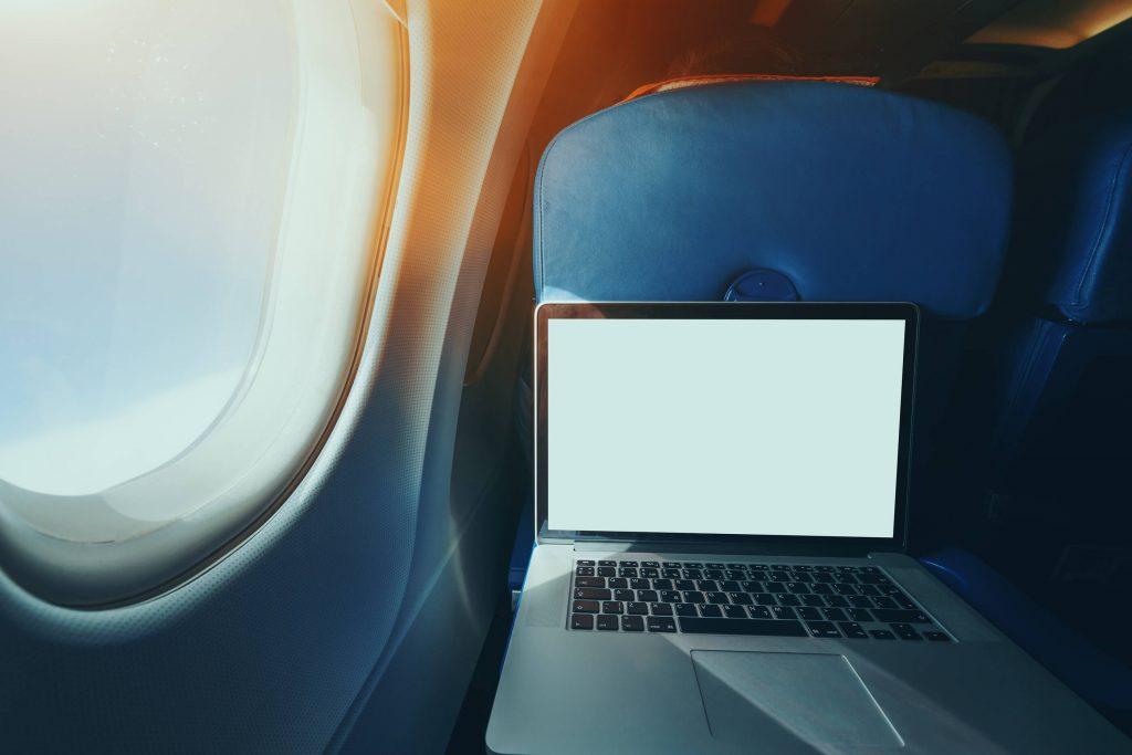 zakaz laptopów na pokładzie samolotu